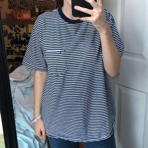 Striped navy blue TOMMY HILFIGER t-shirt!